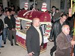 Epitafi, jossa Kristuksen ruumis makaa, lähtee kiertämään Choran kaupunkia.