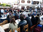 Skalan satamassa on kansalaisjuhla, jonka tarjoaa kaupunki ja Johanneksen luostari.