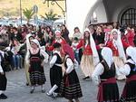 Eri puolilta Kreikkaa tullaan tanssimaan kansantansseja.